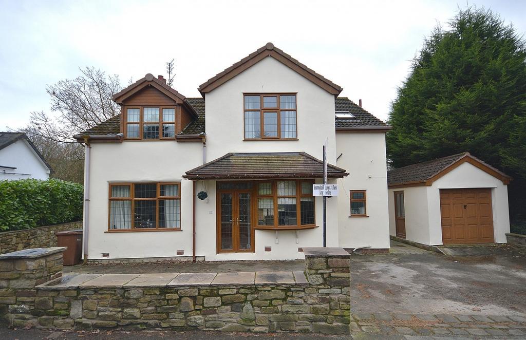 4 Bedrooms Detached House for sale in Longhurst Lane, Mellor
