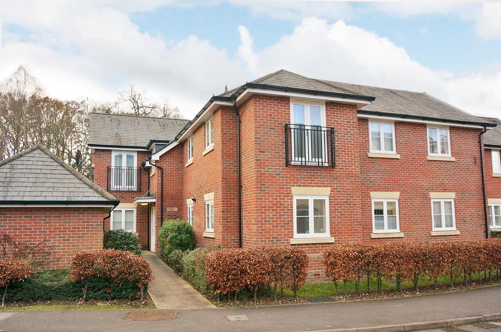 2 Bedrooms Flat for sale in KNOWLE VILLAGE