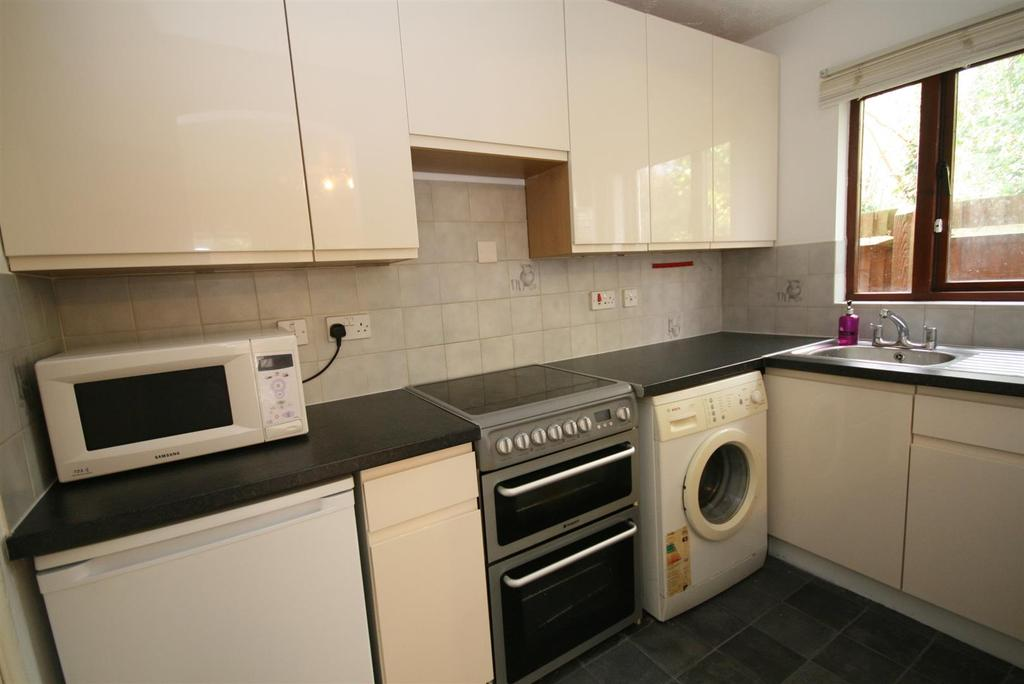 1 Bedroom End Of Terrace House for rent in Holly Gardens, West Drayton