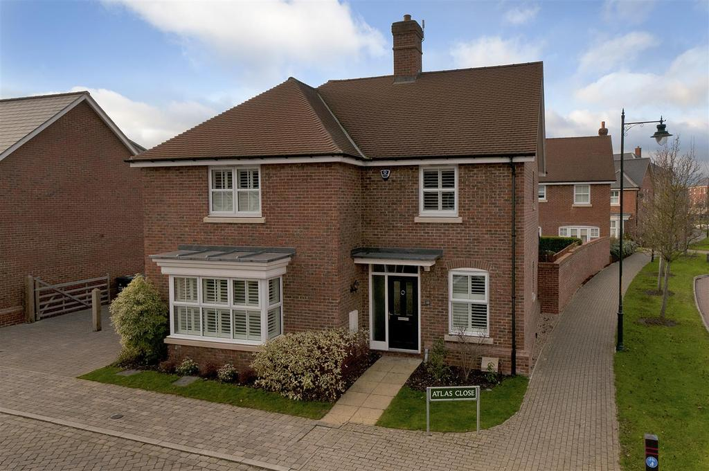 5 Bedrooms Detached House for sale in Atlas Close, Kings Hill, ME19 4PS