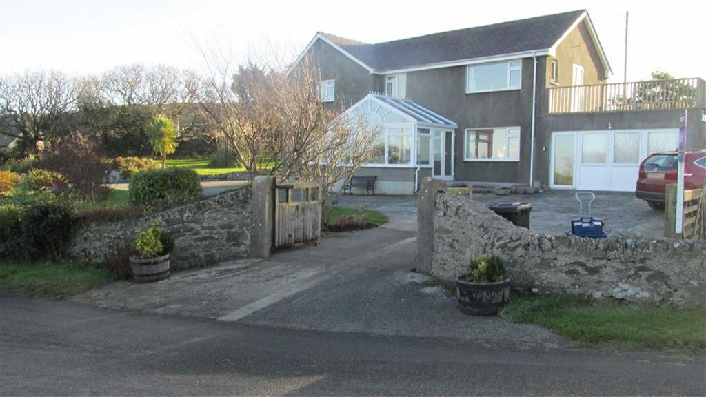 4 Bedrooms Detached House for sale in Llaneilian, Amlwch, Anglesey