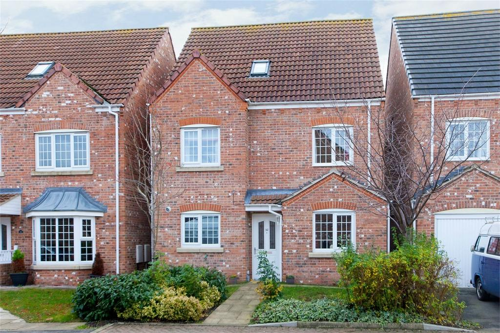 4 Bedrooms Detached House for sale in 12 Mallard Close, York