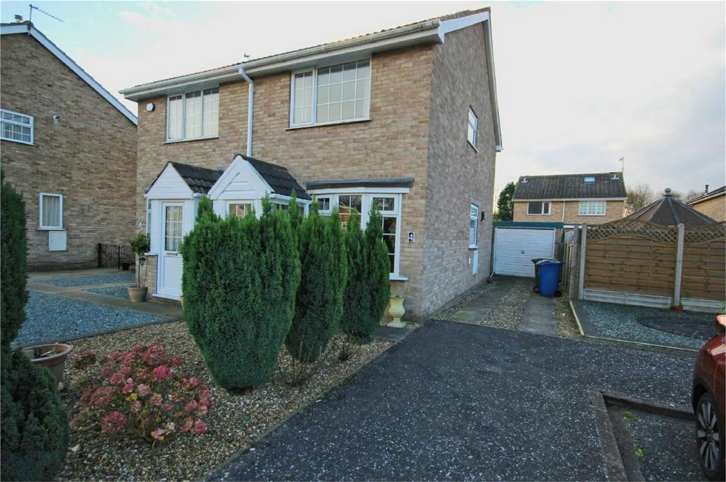 2 Bedrooms Semi Detached House for sale in Cedarwood Drive, Hull, East Riding of Yorkshire