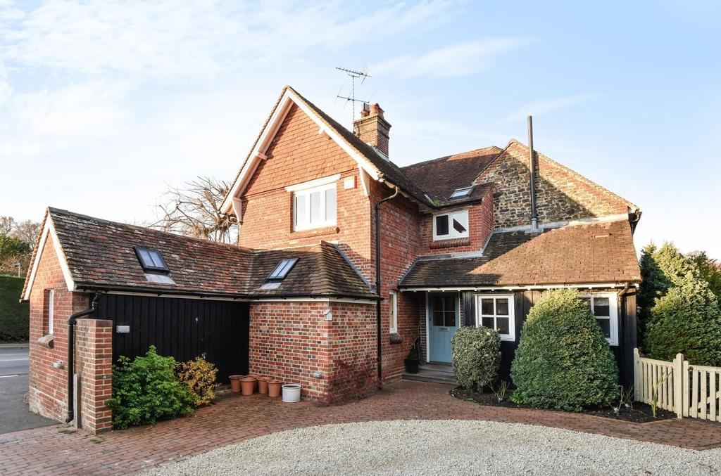 4 Bedrooms Semi Detached House for sale in Mill Road, Liss, GU33