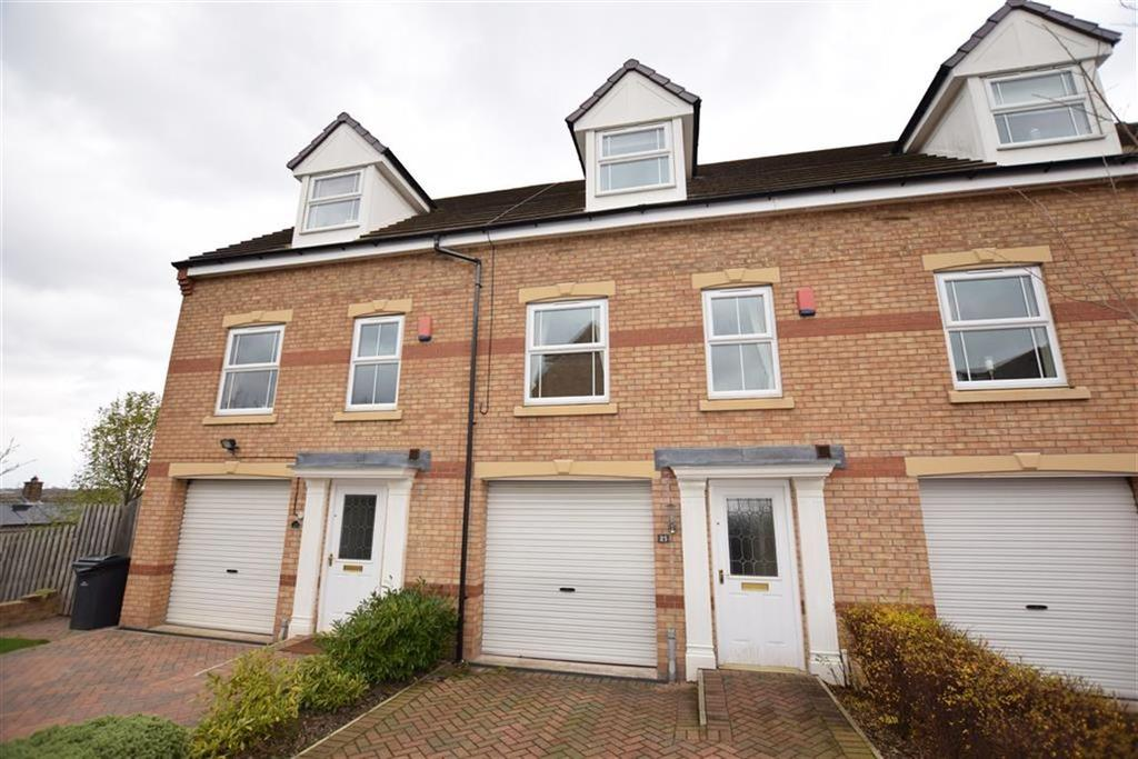 3 Bedrooms Town House for sale in Hall Bank, Barnsley, Barnsley, S75
