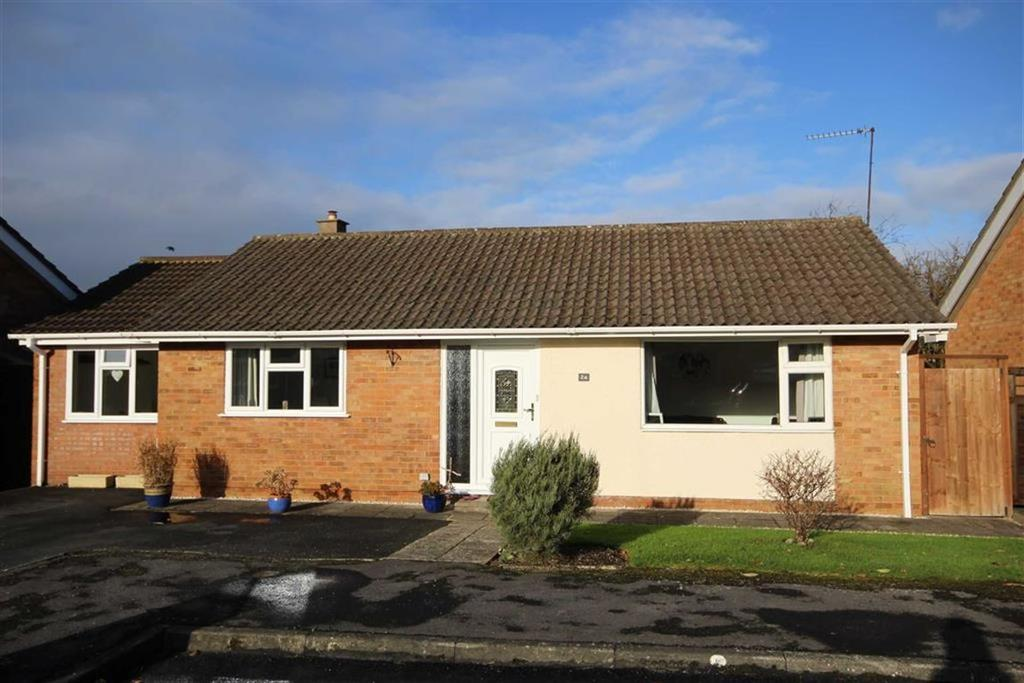 3 Bedrooms Detached Bungalow for sale in Tensing Road, Leckhampton, Cheltenham, GL53