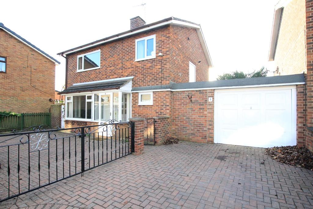 3 Bedrooms Detached House for sale in Isherwood Close, Newton Aycliffe