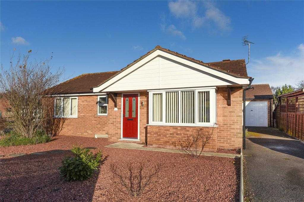 3 Bedrooms Detached Bungalow for sale in Waltham Road, Lincoln, LN6