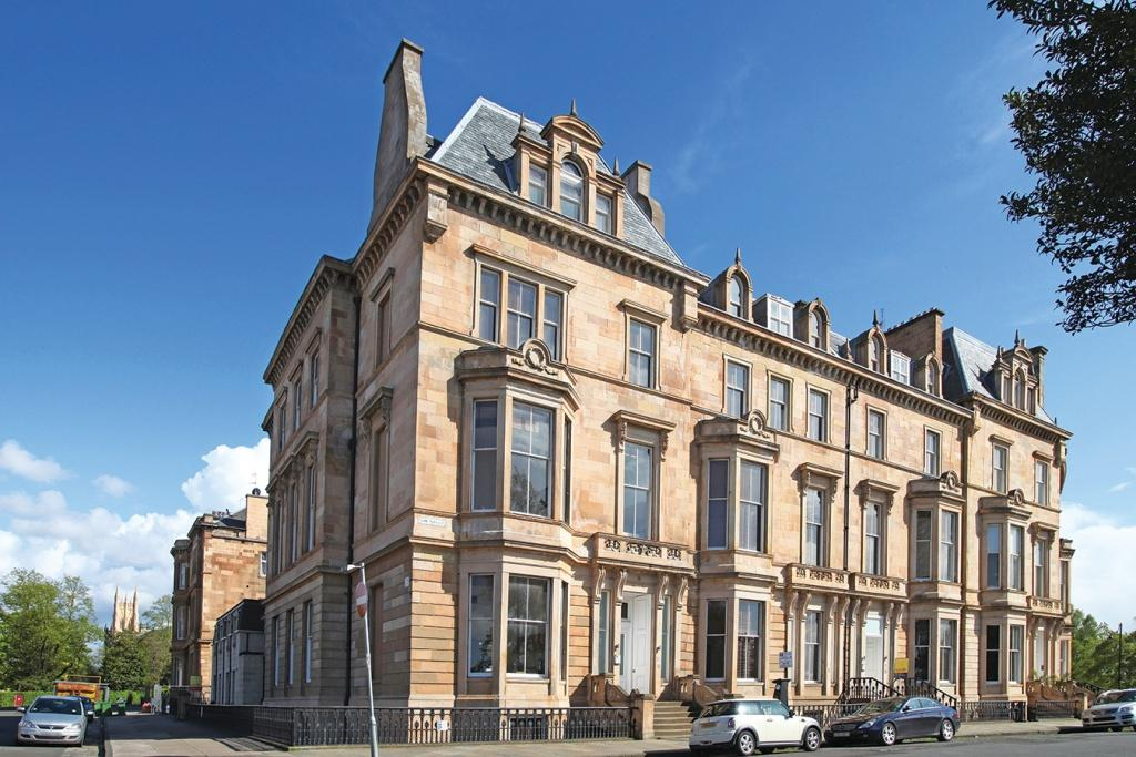 3 Bedrooms Flat for sale in 16 Park Terrace, Park, G3 6BY