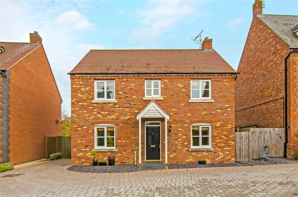 4 Bedrooms Detached House for sale in Kempsey, Worcester, Worcestershire