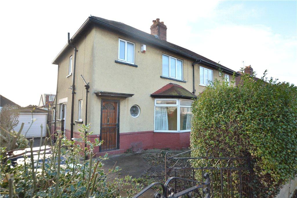 3 Bedrooms Semi Detached House for sale in Easterly Crescent, Oakwood, Leeds