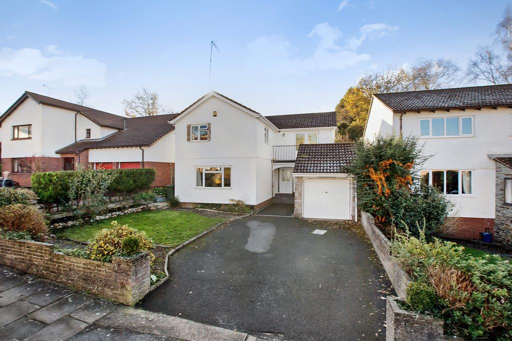 4 Bedrooms Detached House for sale in Oak Tree Drive, Aller Park, Newton Abbot
