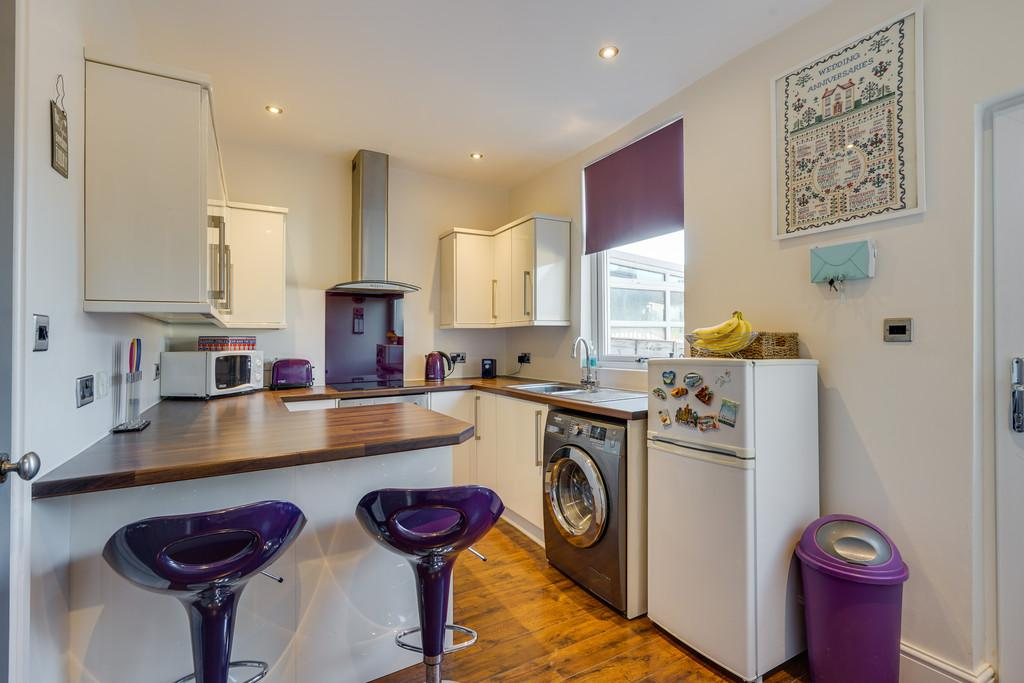 2 Bedrooms End Of Terrace House for sale in 2 Hill Street, Carnforth, Lancashire, LA5 9DY