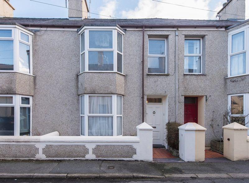 3 Bedrooms Terraced House for sale in Leonard Street, Holyhead