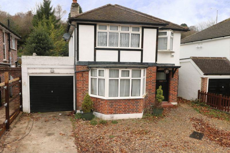 3 Bedrooms Detached House for sale in Old Lodge Lane, Purley