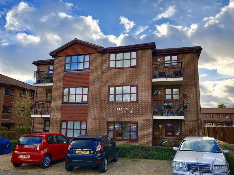 2 Bedrooms Flat for sale in 37 Parkhill Road, Bexley