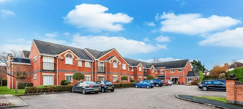 2 Bedrooms Apartment Flat for sale in Apple Close, Congleton