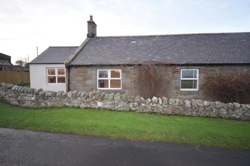 3 Bedrooms Terraced House for rent in Birchwood Hall Farm Cottages, Chathill, Northumberland, NE67