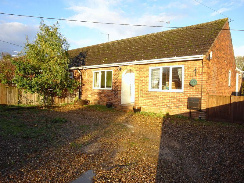 2 Bedrooms Semi Detached Bungalow for sale in Park Road, Spixworth, Norwich