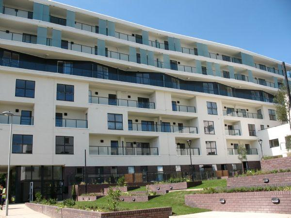 1 Bedroom Flat for sale in Ravensbourne Court, Canons Square, Amias Drive, EDGWARE, Middlesex, HA8 8EY