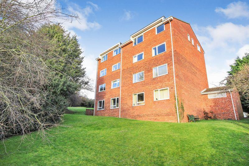 2 Bedrooms Apartment Flat for sale in Katherines Court, Ampthill
