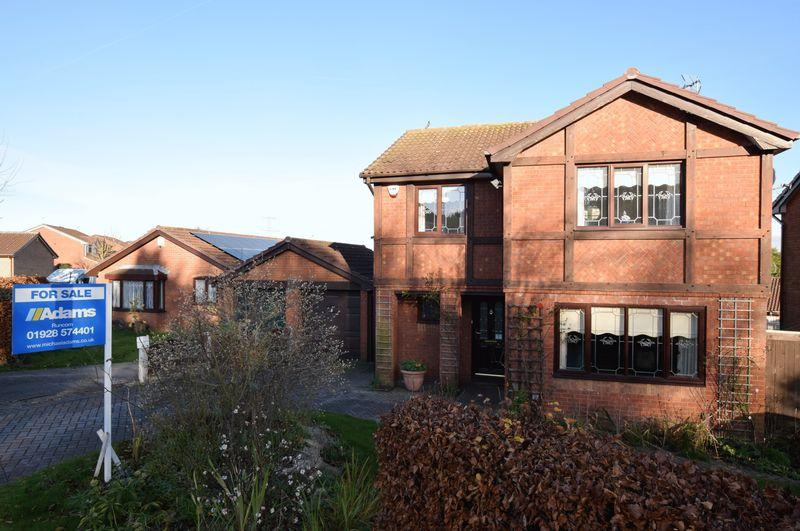 4 Bedrooms Detached House for sale in Firbank Close, Runcorn