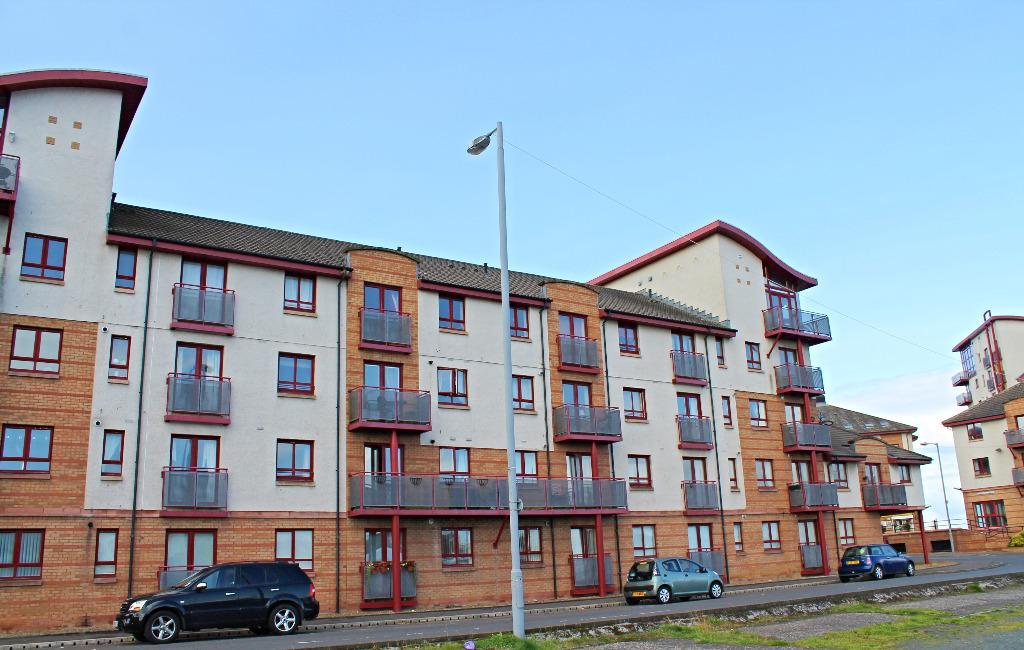 1 Bedroom Flat for sale in Rowallan Court, Ayr, South Ayrshire, KA7 1JR