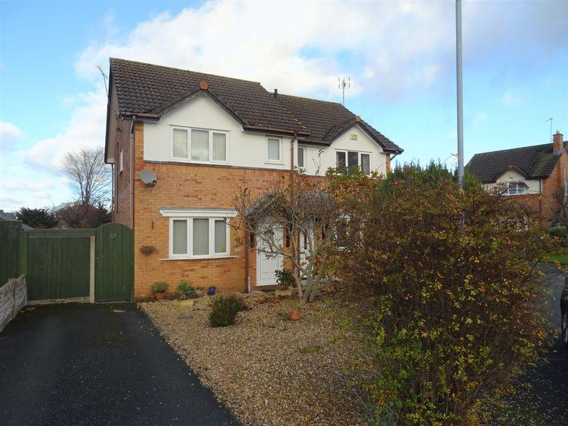 2 Bedrooms Semi Detached House for sale in Thornleigh, Wrexham