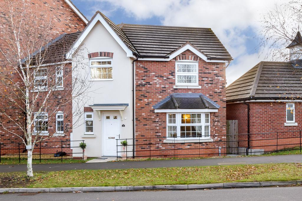 3 Bedrooms Semi Detached House for sale in Weston, Cheshire