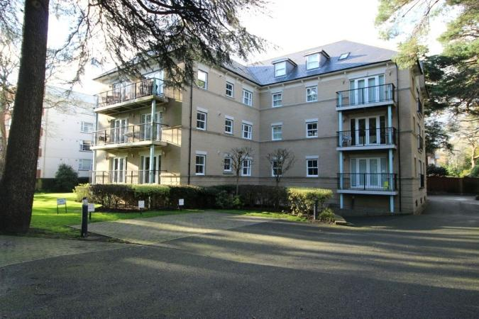 3 Bedrooms Flat for sale in Derby Road , East Cliff
