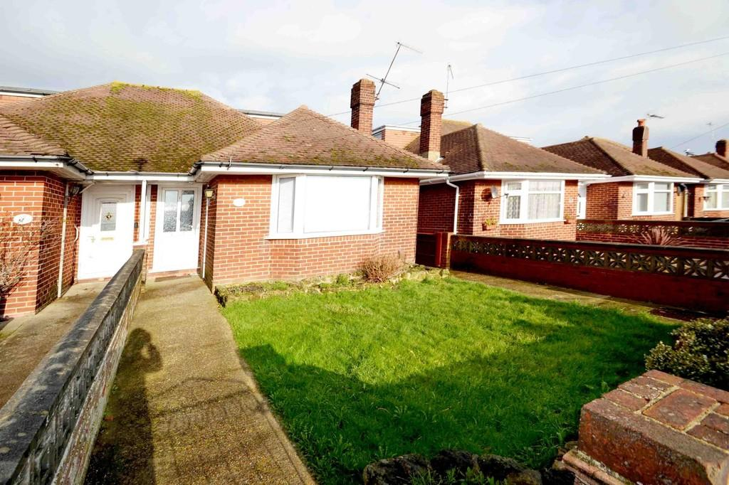4 Bedrooms Semi Detached Bungalow for sale in Ham Way, Worthing