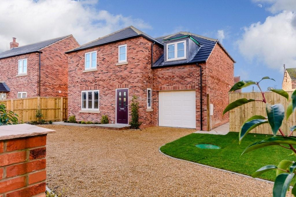 4 Bedrooms Detached House for sale in Yew Tree Cottage, Haddlesey Court, West Haddlesey, Selby, YO8 8QA