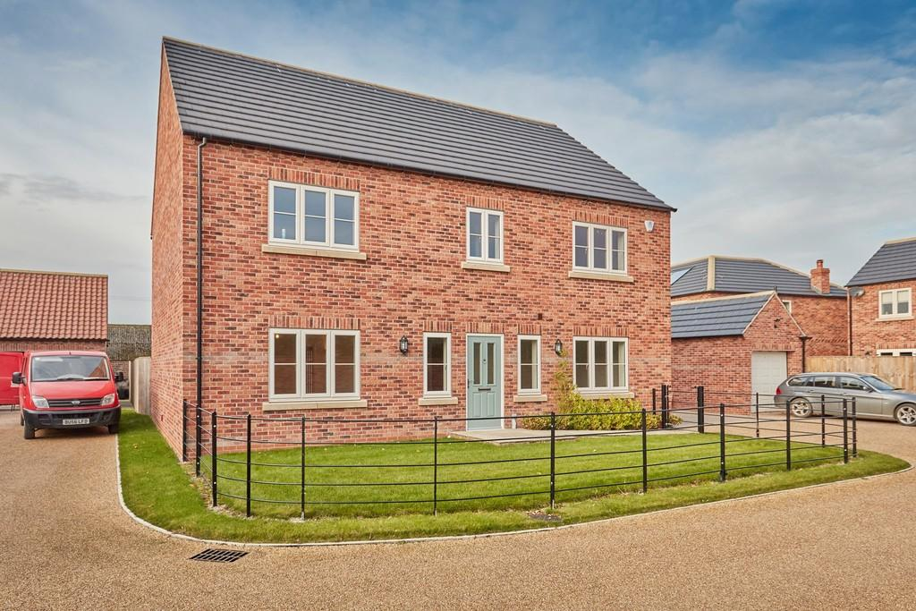 4 Bedrooms Detached House for sale in Swallow Cottage, Haddlesey Court, West Haddlesey, YO8 8QA