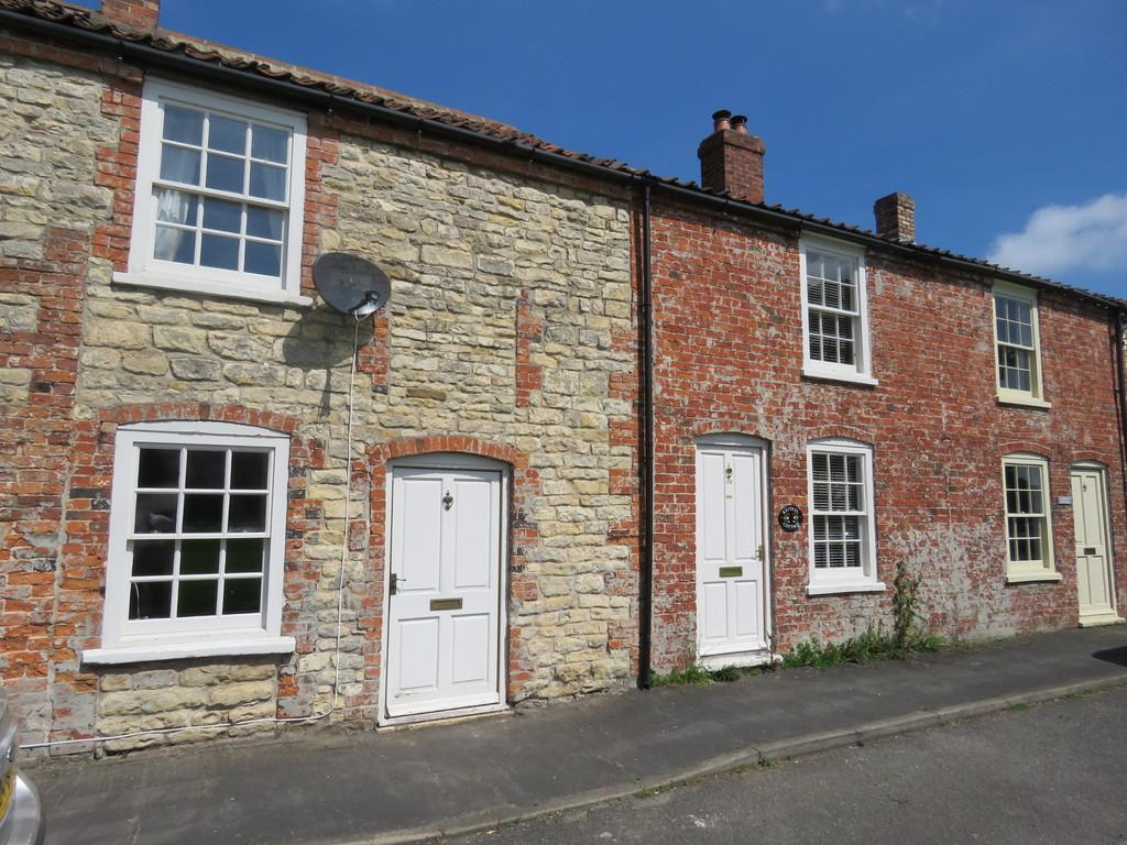 2 Bedrooms Terraced House for sale in The Green, Waddingham