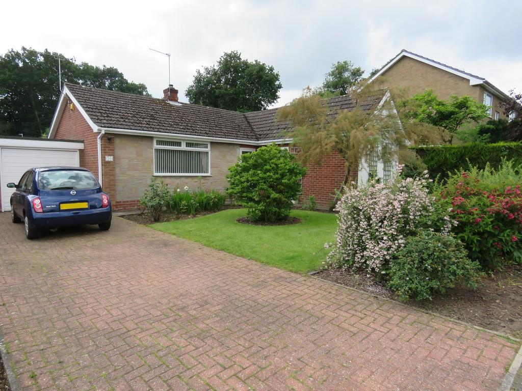 3 Bedrooms Detached Bungalow for sale in St. Edwards Drive, Sudbrooke, Lincoln