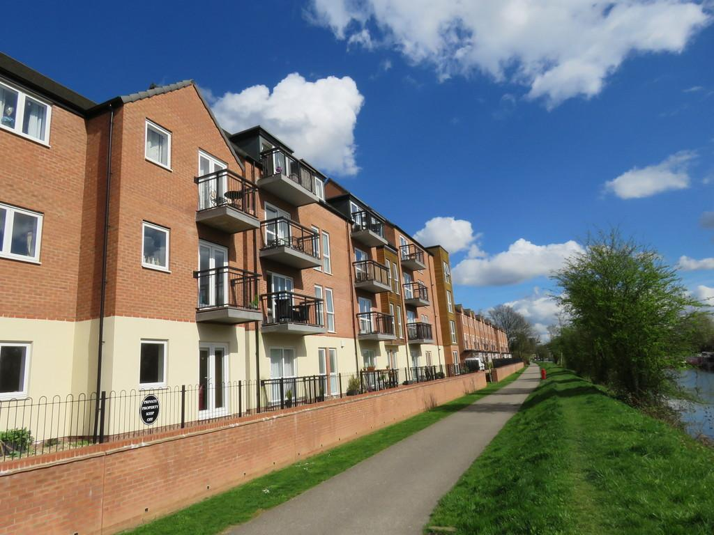 2 Bedrooms Apartment Flat for sale in Angelica Road, Lincoln