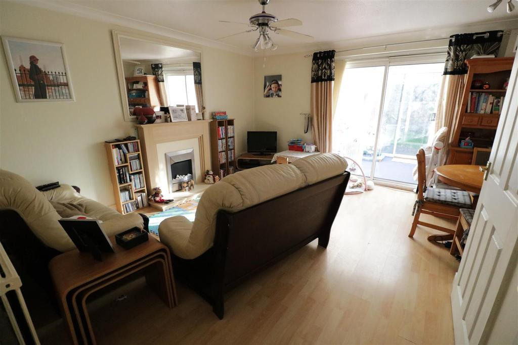 3 Bedrooms Terraced House for sale in Carters Rise, Calcot, Reading