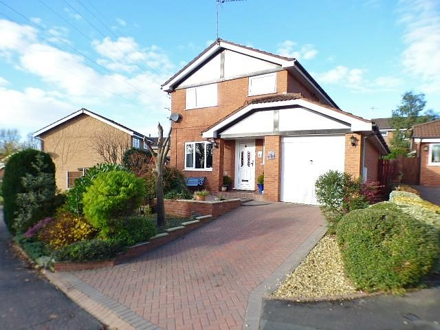 3 Bedrooms Detached House for sale in Ovington Close, Sutton Weaver, Runcorn