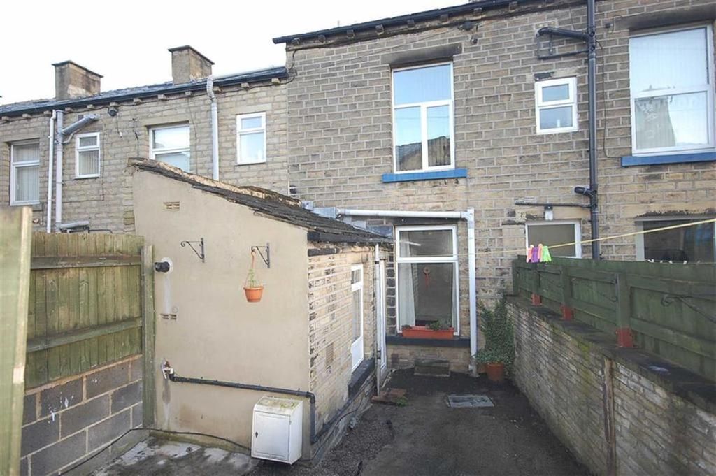 3 Bedrooms Terraced House for rent in Huddersfield Road, Elland, Halifax, HX5