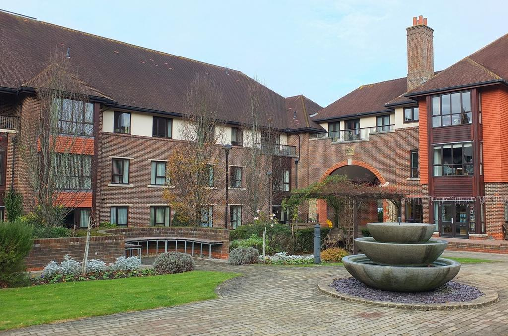 2 Bedrooms Retirement Property for sale in St Georges Park, Ditchling Common, Haywards Heath, RH15