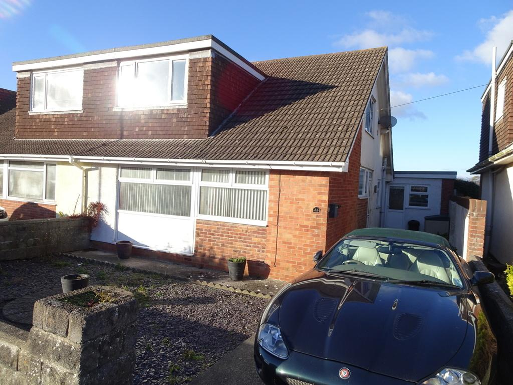 4 Bedrooms Semi Detached Bungalow for sale in LONG ACRE DRIVE, NOTTAGE, PORTHCAWL CF36 3SB