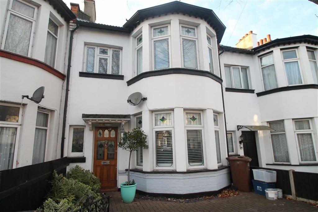 3 Bedrooms House for sale in Fairmead Avenue, Westcliff On Sea, Essex