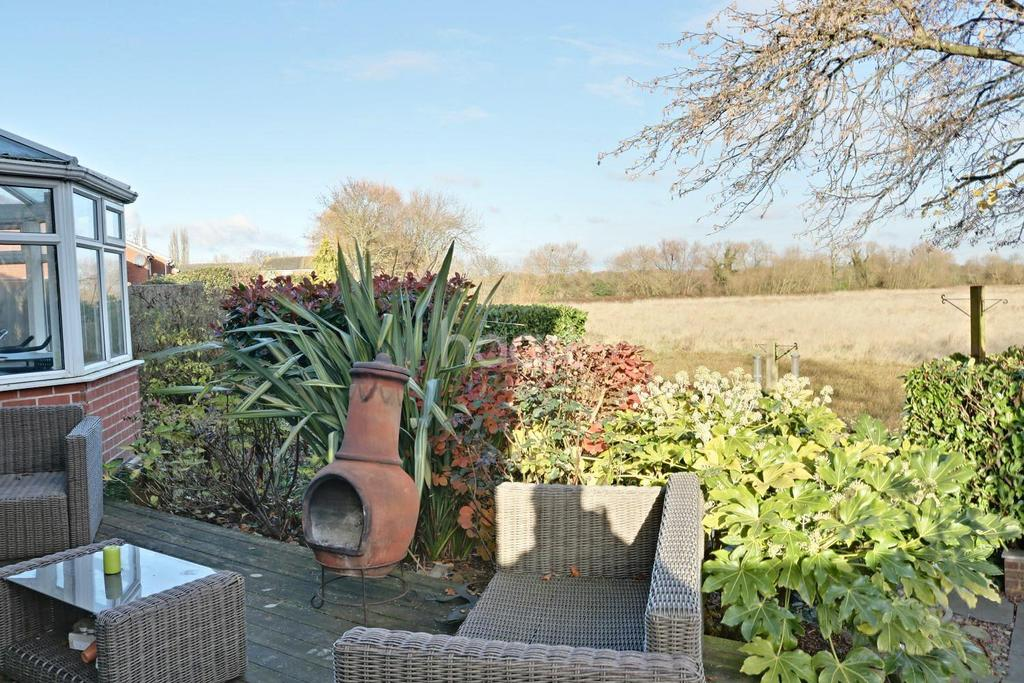 4 Bedrooms Detached House for sale in Tuckers Road, Loughborough