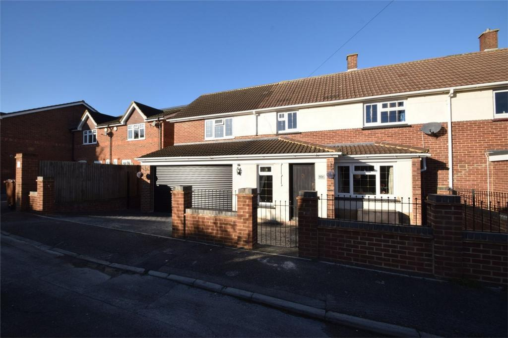 5 Bedrooms Semi Detached House for sale in Valley View Road, Rochester, Kent