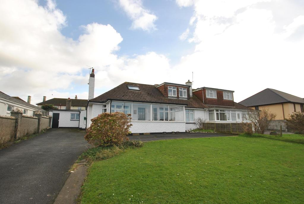 5 Bedrooms Bungalow for sale in Hillhead, Stratton