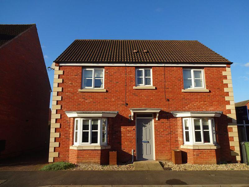 4 Bedrooms Detached House for sale in The Spinney, Stourport-On-Severn DY13 9GL