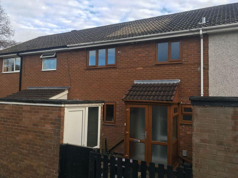 3 Bedrooms Terraced House for sale in Broome Path, Cwmbran