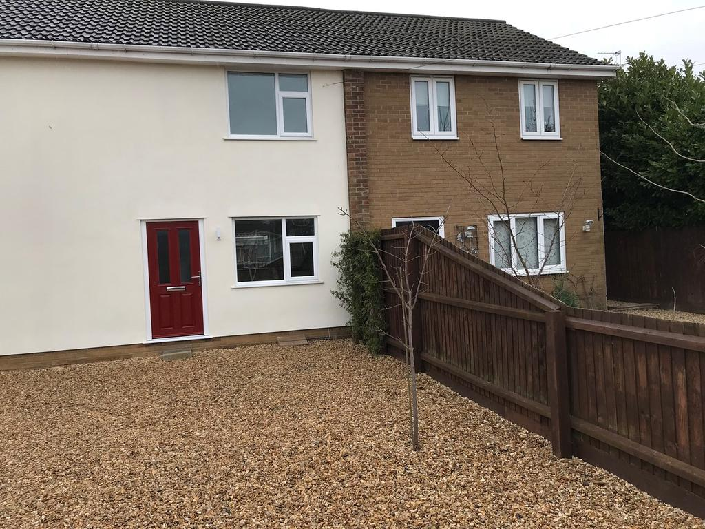 2 Bedrooms Terraced House for sale in Clay Lake, Spalding, PE11