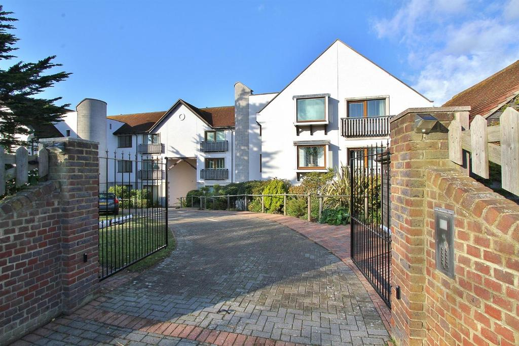 2 Bedrooms Flat for sale in Bazehill Road, Rottingdean