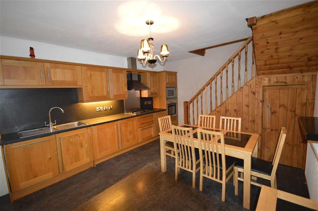 2 Bedrooms Terraced House for sale in Dean Road, Scarborough